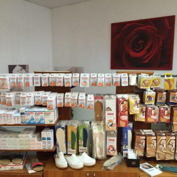 Fußpflegeartikel im Verkaufsbereich